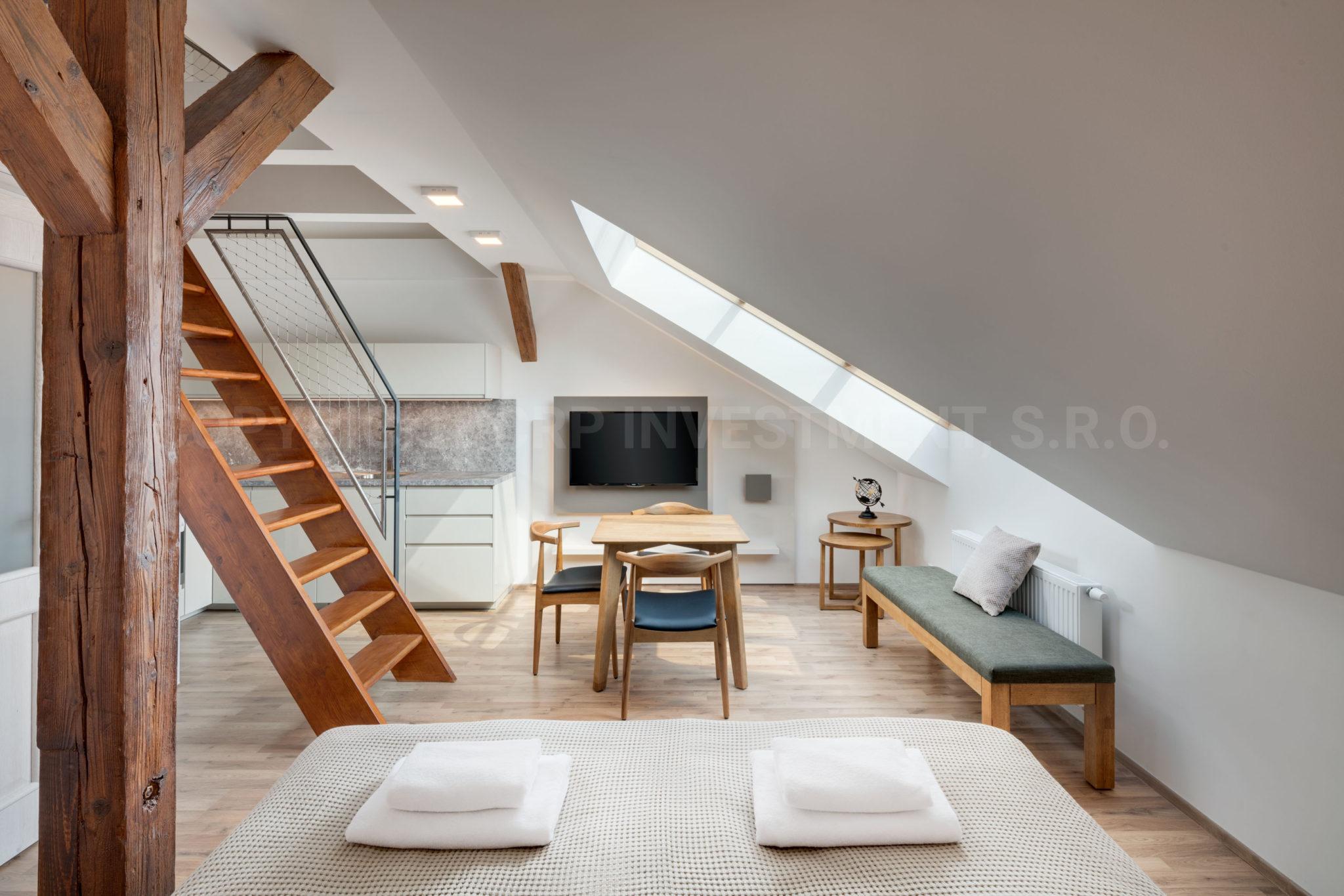 Private Duplex Wohnung zur Miete in Prag
